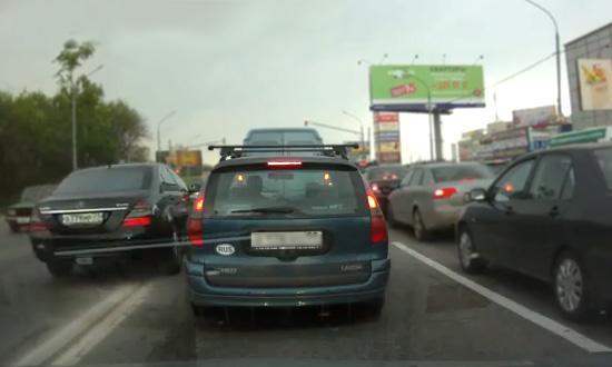 Борцы с мигалками лишили прав водителя VIP-авто