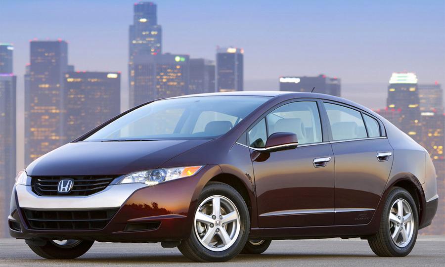 Водородомобиль Honda FCX Clarity запущен в серийное производство