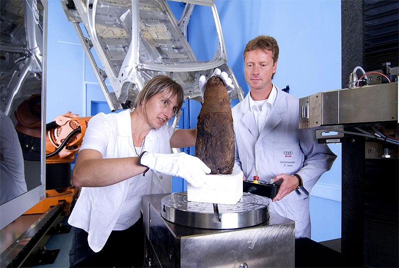 На заводе Audi изучают мумию