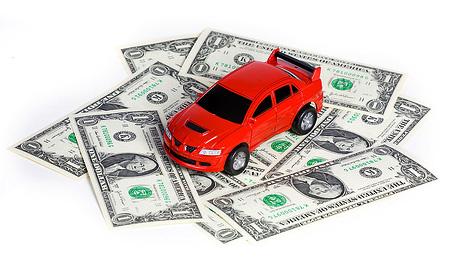 Доллар бьет рекорды: иномарки скоро подорожают