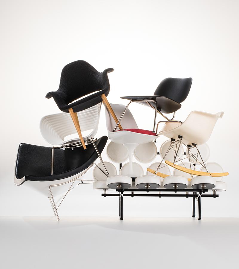 Кресло Organic; стул Plywood Group DCM; кресло-качалка Eames plastic RAR; диван Marshmallow, кресло Coconut; кресло Tom Vac, стул Tulip, все Vitra