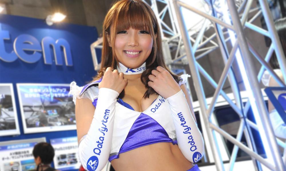 Лучшие девушки мотор-шоу в Токио