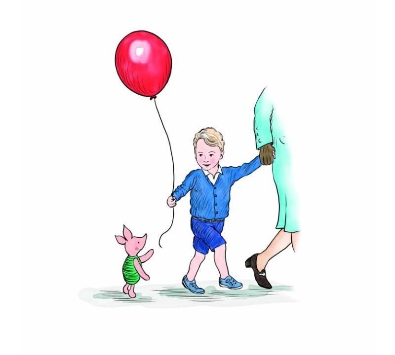 Правнук королевы Джордж получает шарик от Пятачка