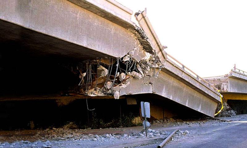 Транспортная система Японии парализована землетрясением
