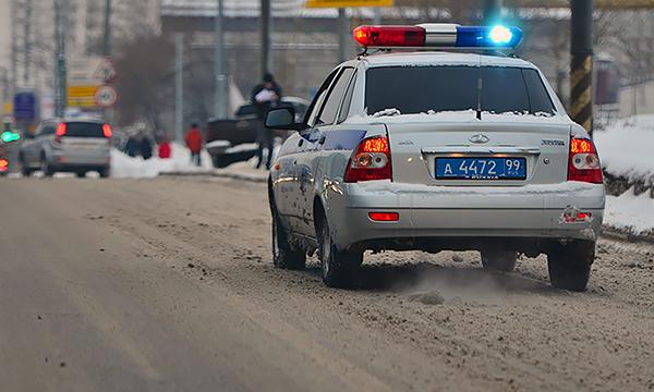 Полицейские задержали участницу гонки на Gelandewagen