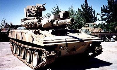 Чех съездил за мороженым на танке