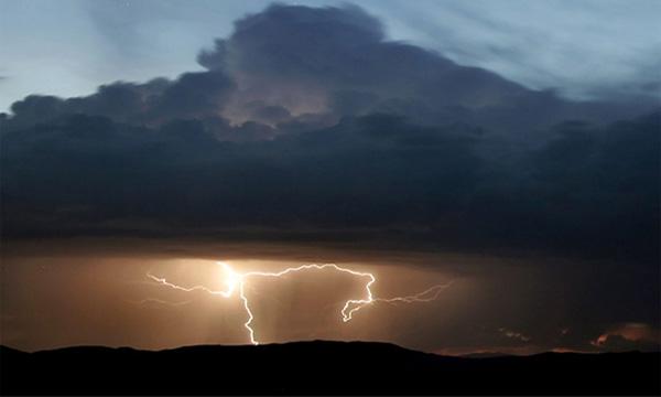 Вниманию водителей: в Москве объявлено штормовое предупреждение