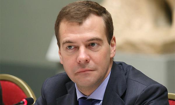 Медведев остался недоволен ситуацией на дорогах