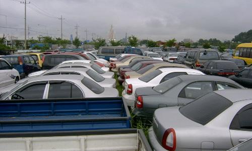 В сентябре автопродажи упадут до 30-летнего минимума