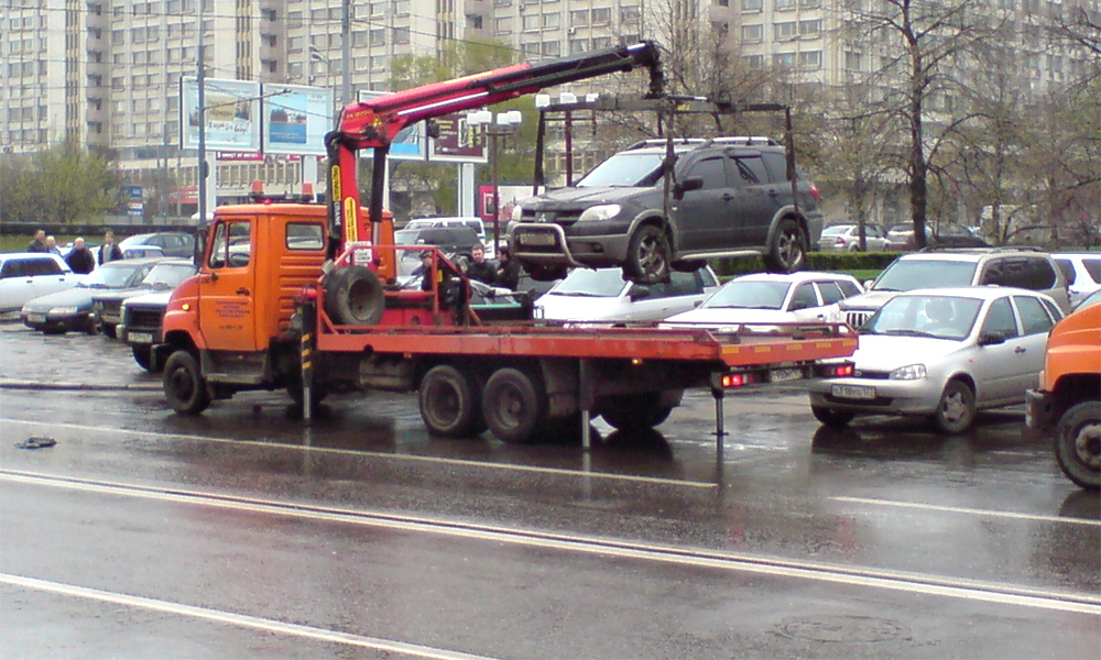 Как уберечь автомобиль от эвакуатора