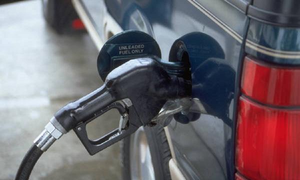 Через три недели в России подешевеет бензин