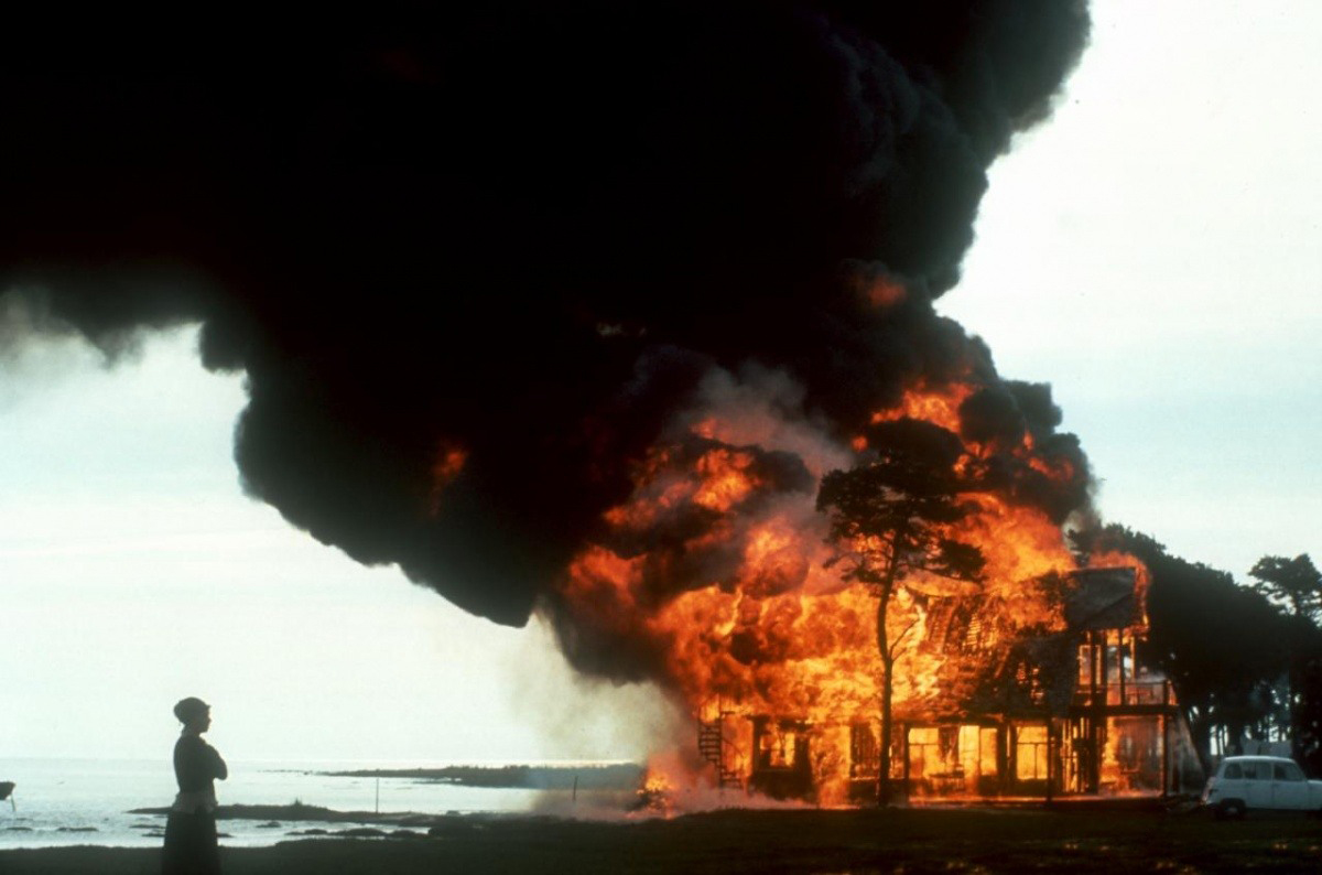 Кадр из фильма «Жертвоприношение» (1986)