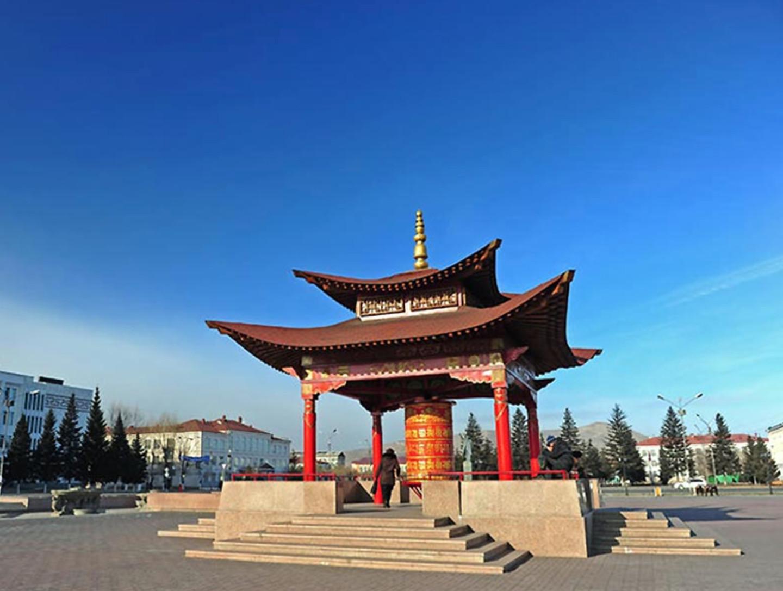 Пагода с молитвенным барабаном