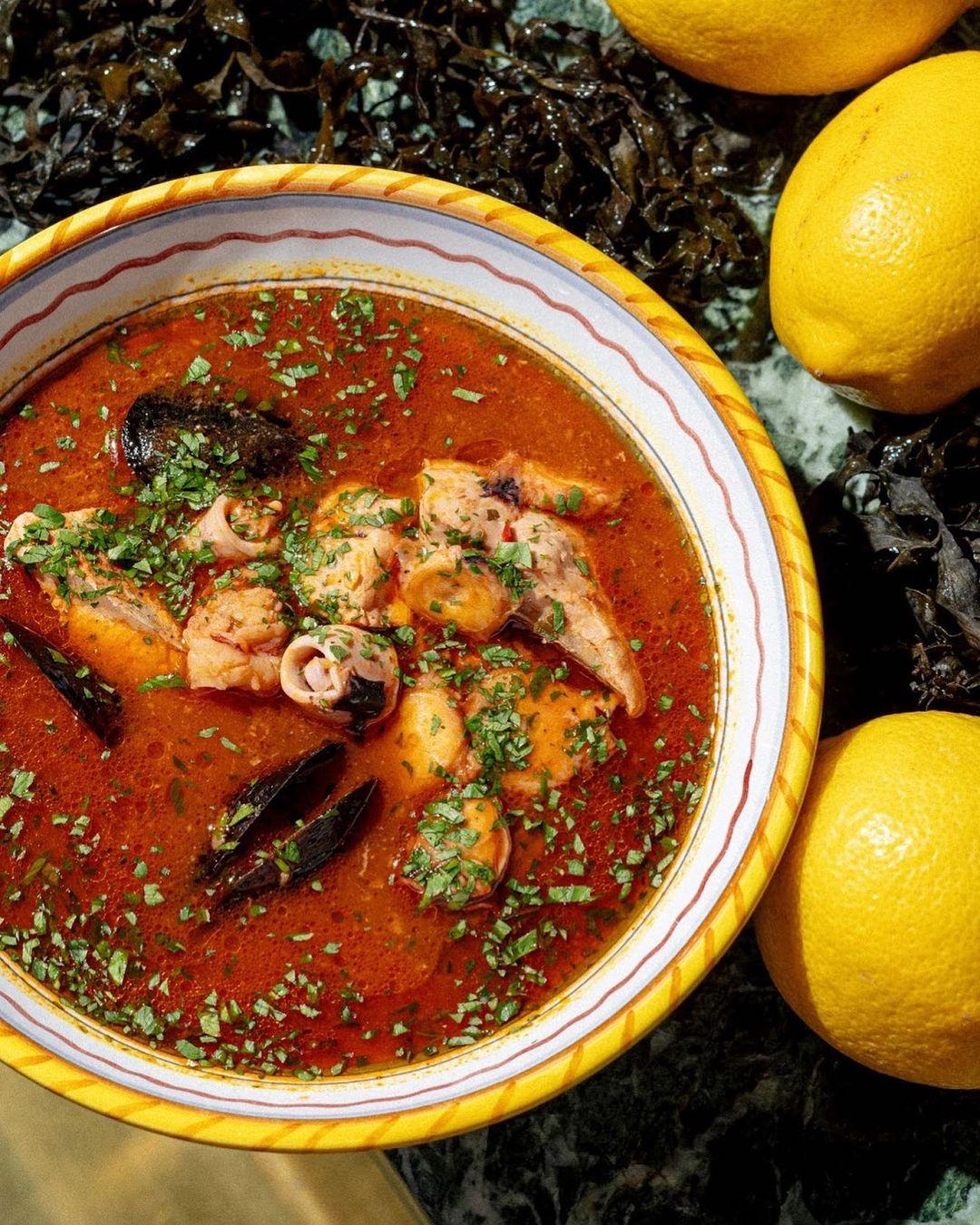 Итальянский томатный рыбный суп