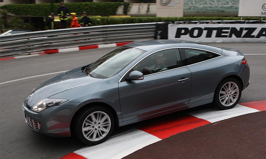 В России стартовали продажи Renault Laguna Coupe