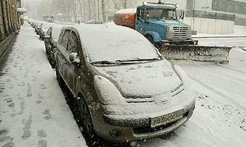 ГИБДД просит водителей не мешать уборке снега