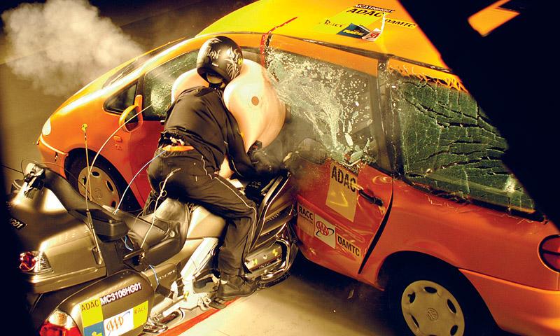 Системы пассивной безопасности калечат водителей