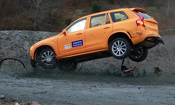 Кресла с секретом: почему Volvo не боится вылететь с дороги