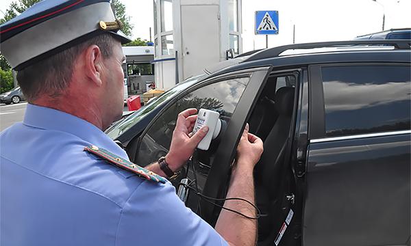 В Госдуме предложили в 10 раз повысить штраф за тонировку