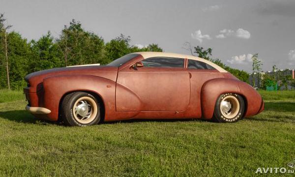 Единственный в мире кожаный автомобиль выставили на продажу в Москве