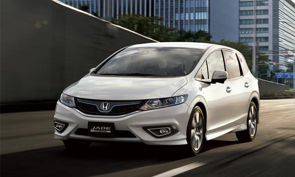 Honda начнет продажи модели Jade в Японии