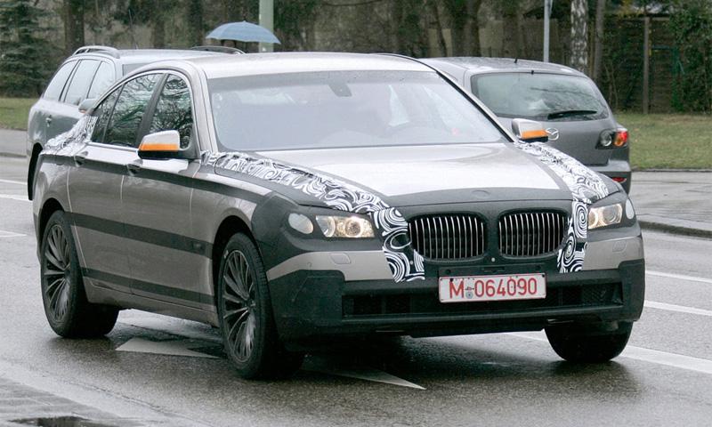 Новое поколение BMW 7 засняли без камуфляжа