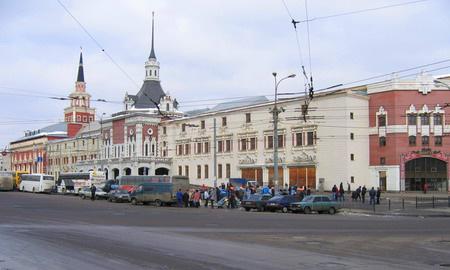 Вокзалы Москвы отдадут на откуп крупным таксомоторным фирмам