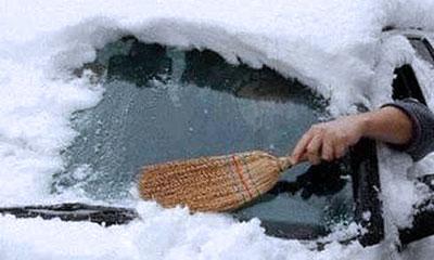 Колонна автомобилей на Камчатке уже 10 дней заперта в снежном плену