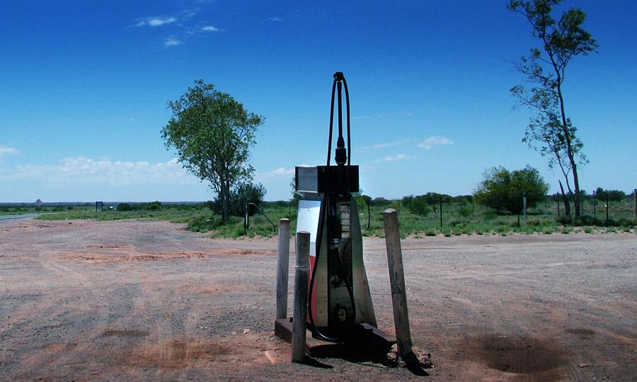 В Казахстане закрываются АЗС из-за отсутствия бензина