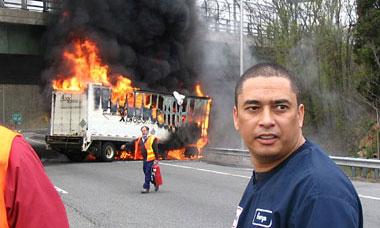 За отказ платить дань водителю подожгли грузовик