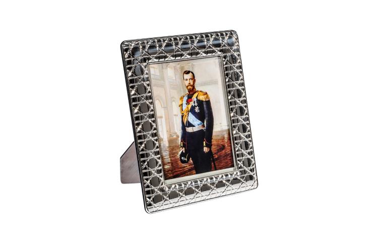 Рамка для фотографий Tsar, 76 900 руб. (ЦУМ)