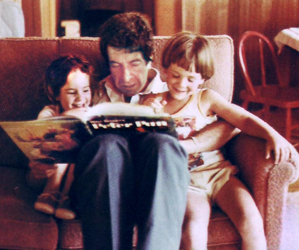 Леонард Коэн с дочерью Лоркой и сыном Адамом