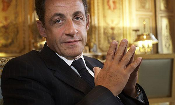 Злостный нарушитель ПДД Николя Саркози