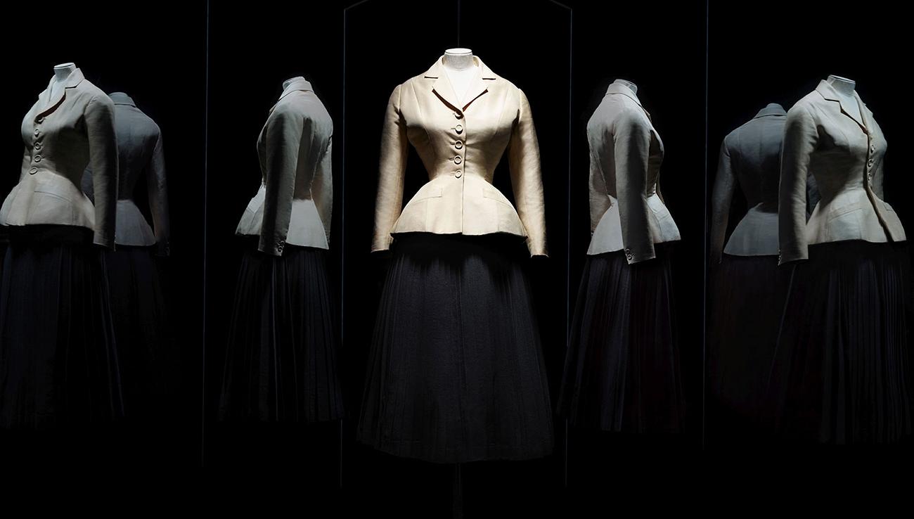 Ансамбль Bar из коллекцииChristian Dior Haute Couture, весна-лето 1947