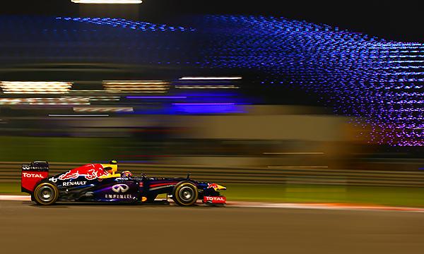 Финал во тьме. На что смотреть в последней гонке Формулы-1