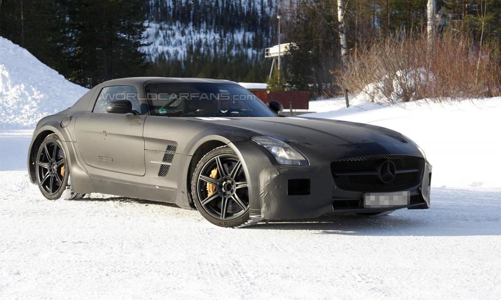 Прототип Mercedes-Benz SLS AMG Black Series сфотографировали вблизи