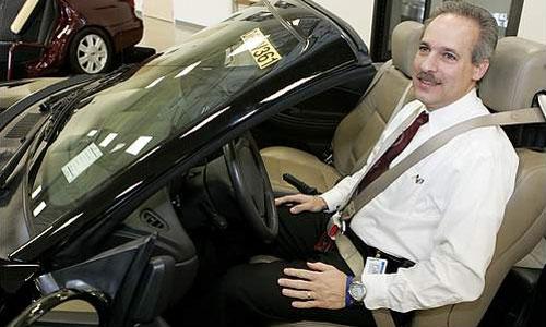 Ford тестирует 4-точечные ремни безопасности