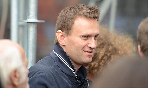 Навальный: Надо запретить чиновникам автомобили дороже 1,5 миллиона
