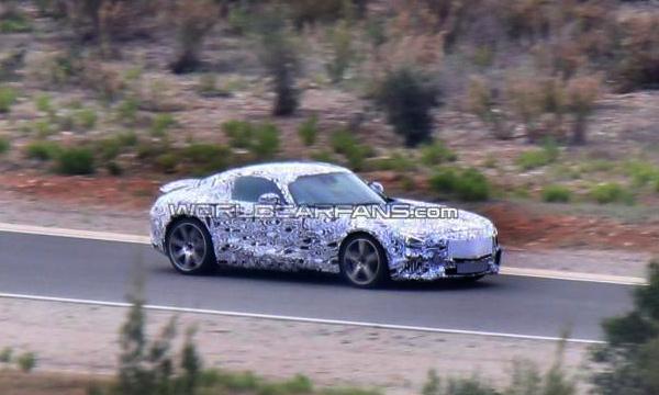 Mercedes-Benz SLC засняли во время тестов
