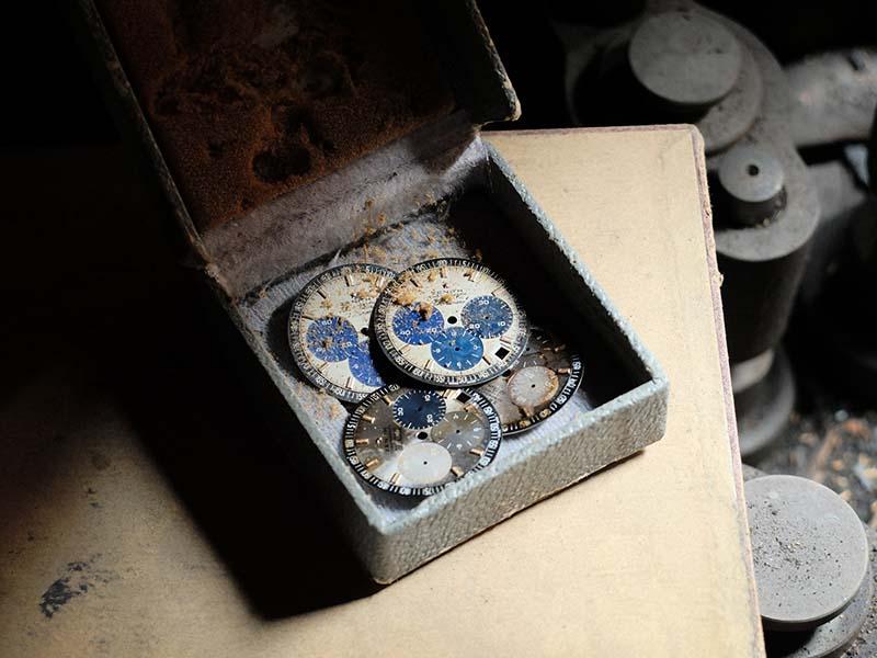 Неизвестные циферблаты, найденные на чердаке мануфактуры Zenith
