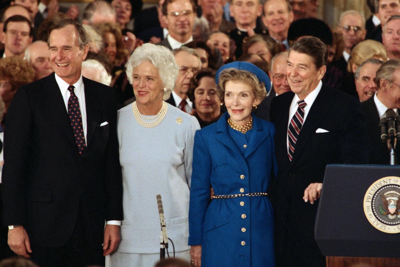 Джордж Буш-старший, Лора Буш, Нэнси Рейган и Рональд Рейган на инаугурации, 1985 год