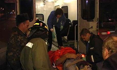 В Новом Уренгое КамАЗ протаранил три машины и автобус, пострадали 15 человек