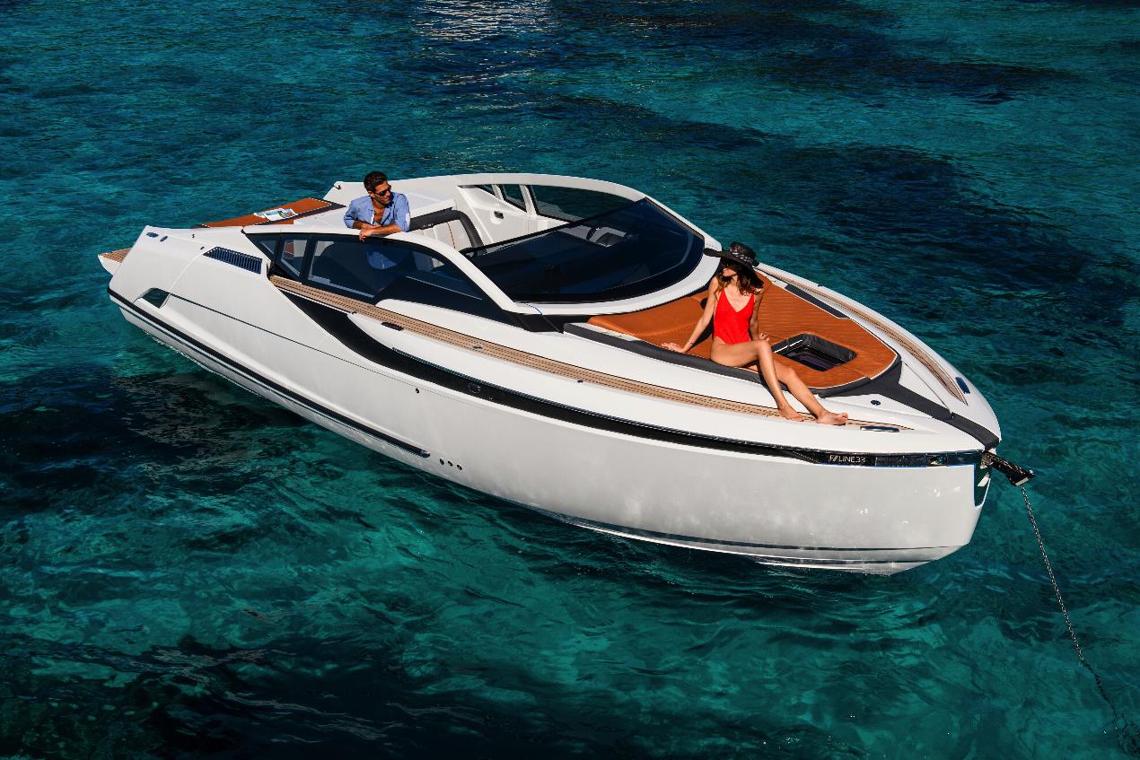 Яхта Fairline F-line 33