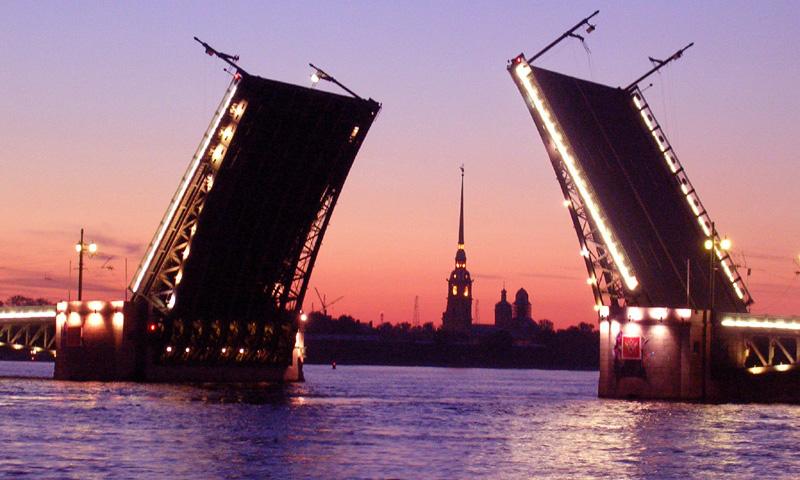 Пробная разводка мостов в Петербурге помешает автомобилистам