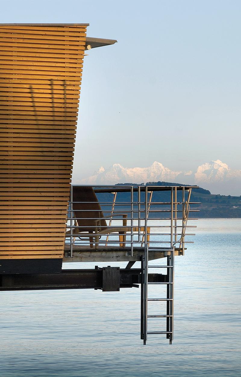Номер-домик отеля Palafitte, выходящийна Невшательское озеро