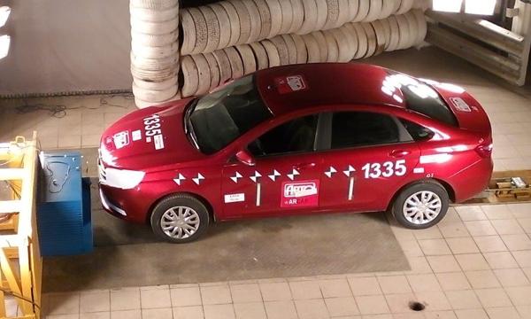 Lada Vesta получила наивысший  рейтинг безопасности  по итогам краш-теста