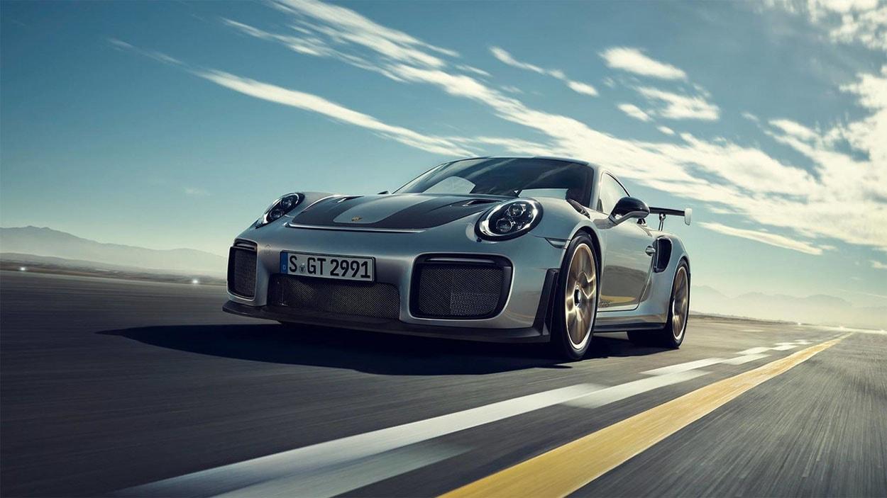 Porsche 911 GT2 RS — от 19 245 000 руб.