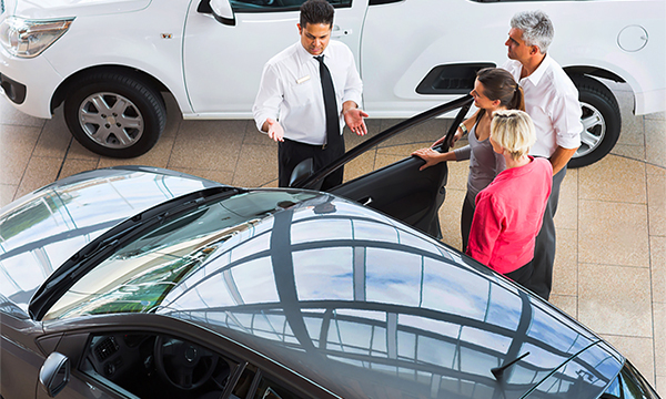«Цены быстро устаревают». Почему купить новый автомобиль все сложнее