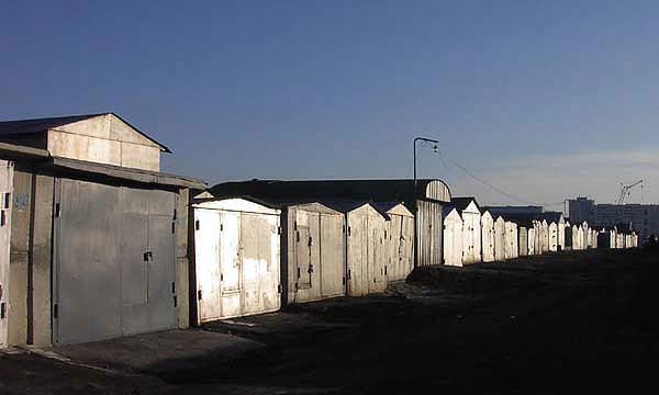 Бесхозные гаражи на Севастопольском проспекте будут снесены