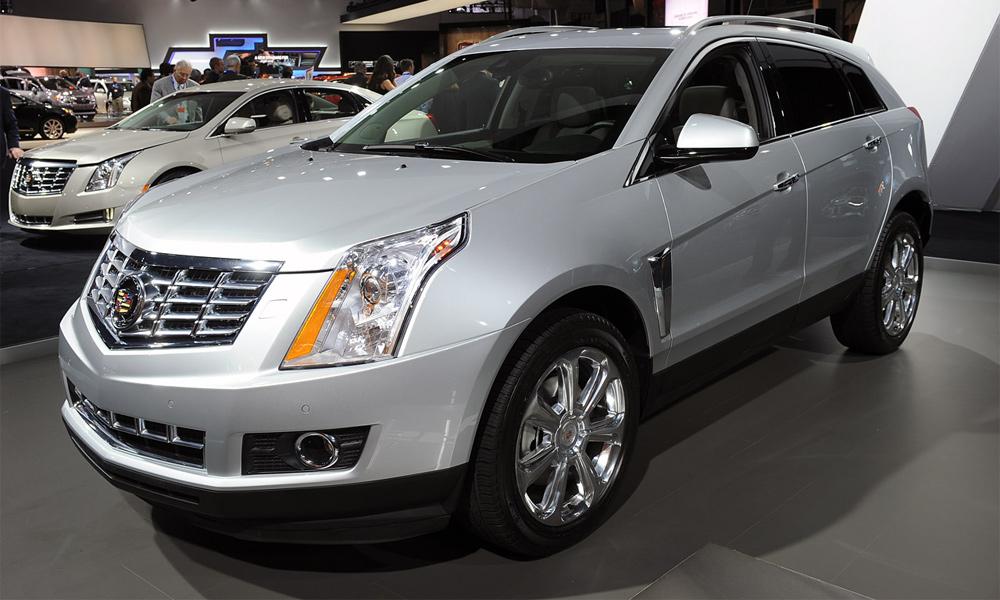 Cadillac SRX: теперь с новым «лицом»